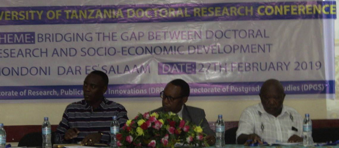out-hosts-phd-candidates-international-conference